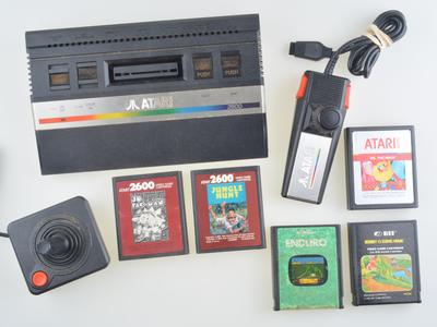 Atari 2600 Starter Pack - A
